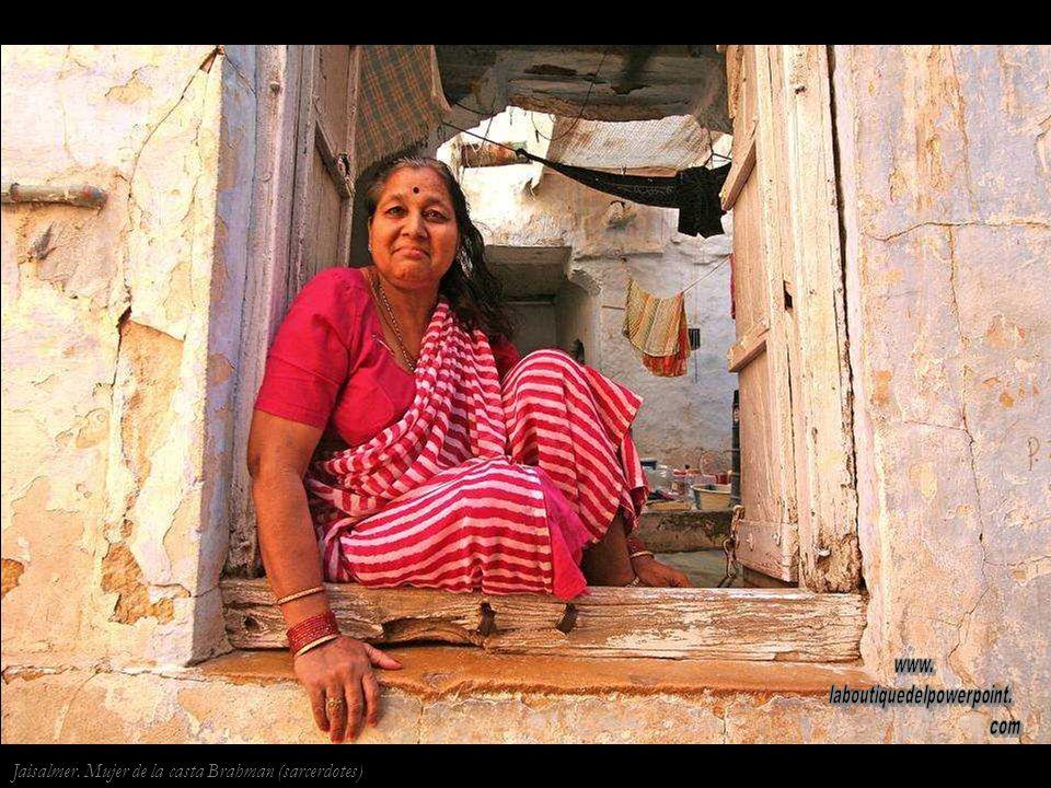 Jaisalmer Mujer de la casta Shudra (Sirvientes y obreros)