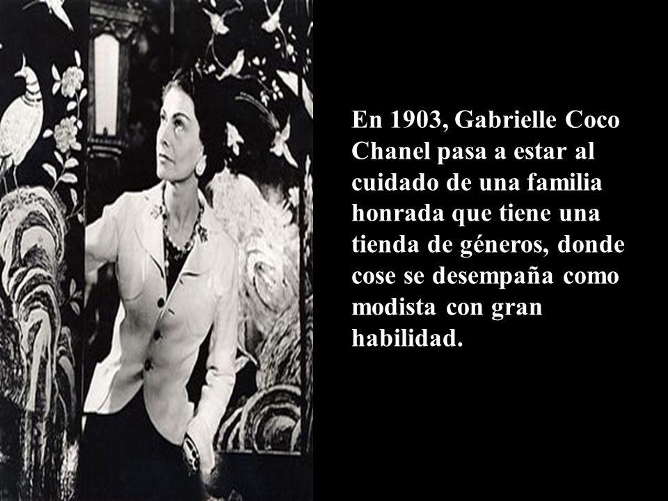 Diseñadora de modas francesa, visionaria de la moda, la perfumería y la joyería y una de las personalidades más influyentes del siglo XX.