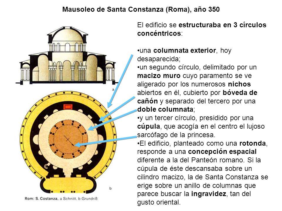 El edificio se estructuraba en 3 círculos concéntricos: una columnata exterior, hoy desaparecida; un segundo círculo, delimitado por un macizo muro cu