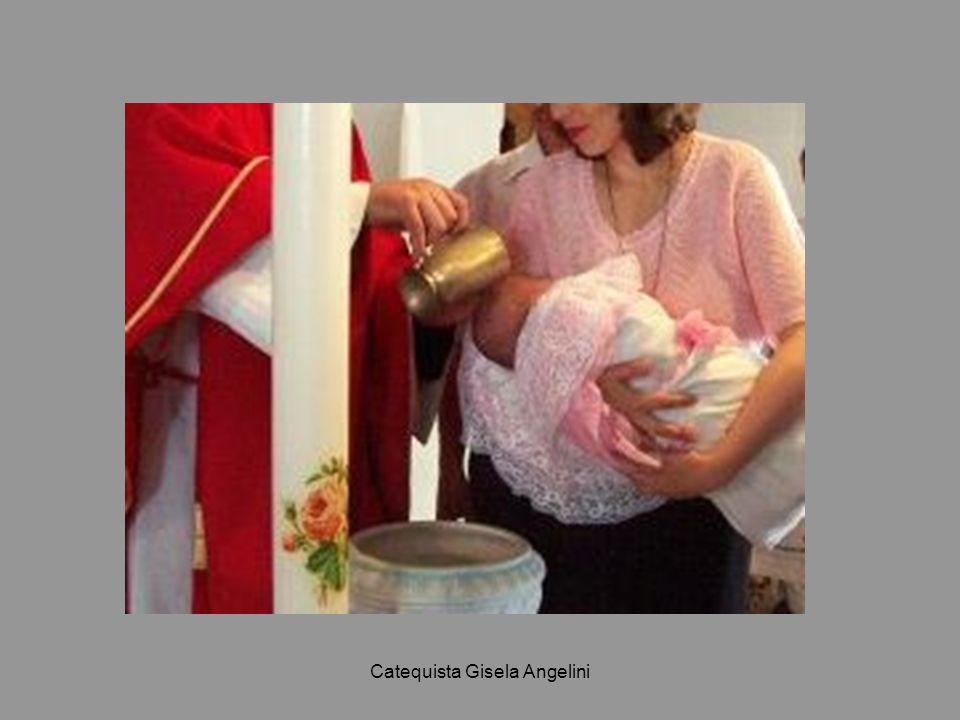 Catequista Gisela Angelini 4.- y es incorporado a la Iglesia La Iglesia es la comunidad de los bautizados, pues el efecto fundamental del Bautismo es incorporar al hombre a la comunidad de la Iglesia.