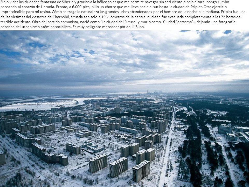 Día 6 Amanezco en Moscú con las paredes interiores de la góndola empapadas por el efecto cubata o condensación de la humedad interna por la diferencia brutal de temperatura traída de Siberia.