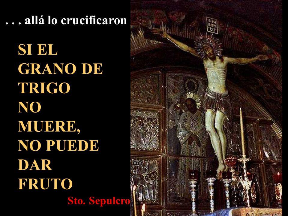 Llevándose él mismo la cruz va.