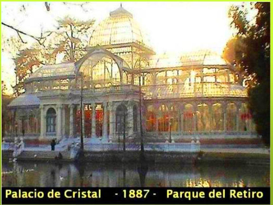 Fue construido entre 1881 y 1883 como pabellón central de la Exposición Nacional de Minería, Artes Metalúrgicas, Cerámica, Cristalería y Aguas Minerales, que se celebró en Madrid entre Mayo y Noviembre de 1883.
