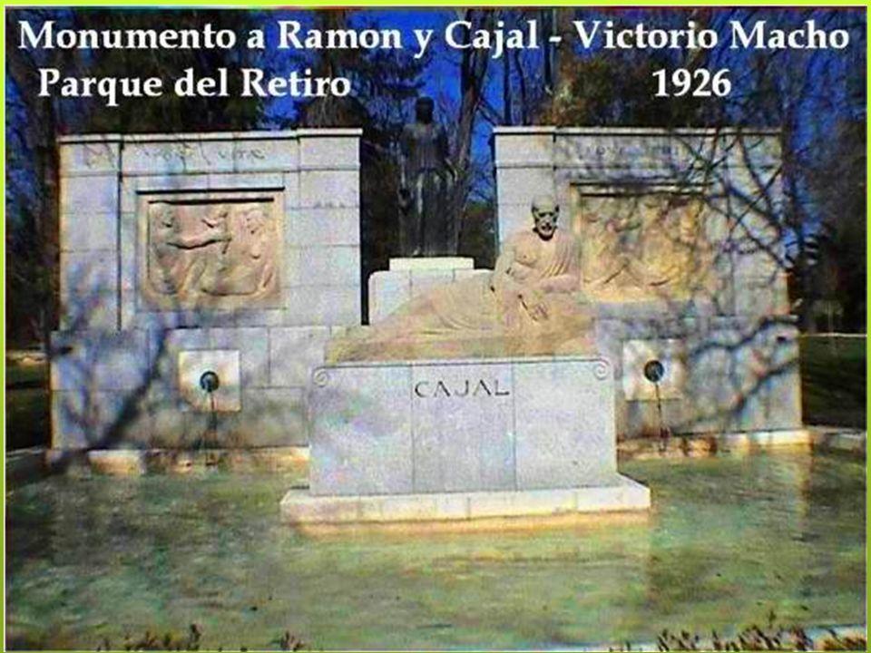 En 1868, con la llegada de la Primera República, el parque dejó de ser recinto real para ser propiedad del municipio de Madrid y el acceso fue libre y sin restricciones.