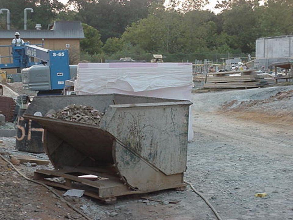 46 EXCAVACIONES EXCAVACIONES Material extraído deberá depositarse a mas de 60 cm., del borde para evitar desplome.