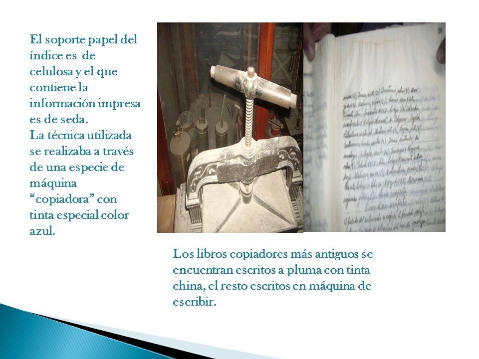 El soporte papel del índice es de celulosa y el que contiene la información impresa es de seda. La técnica utilizada se realizaba a través de una espe