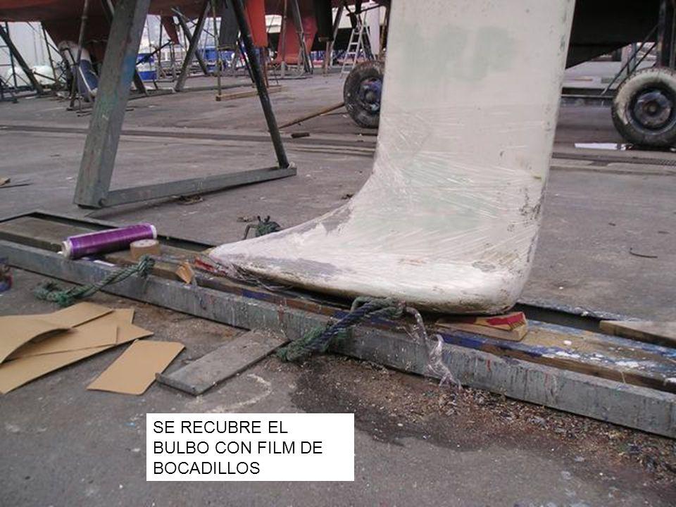 SE RECUBRE EL BULBO CON FILM DE BOCADILLOS