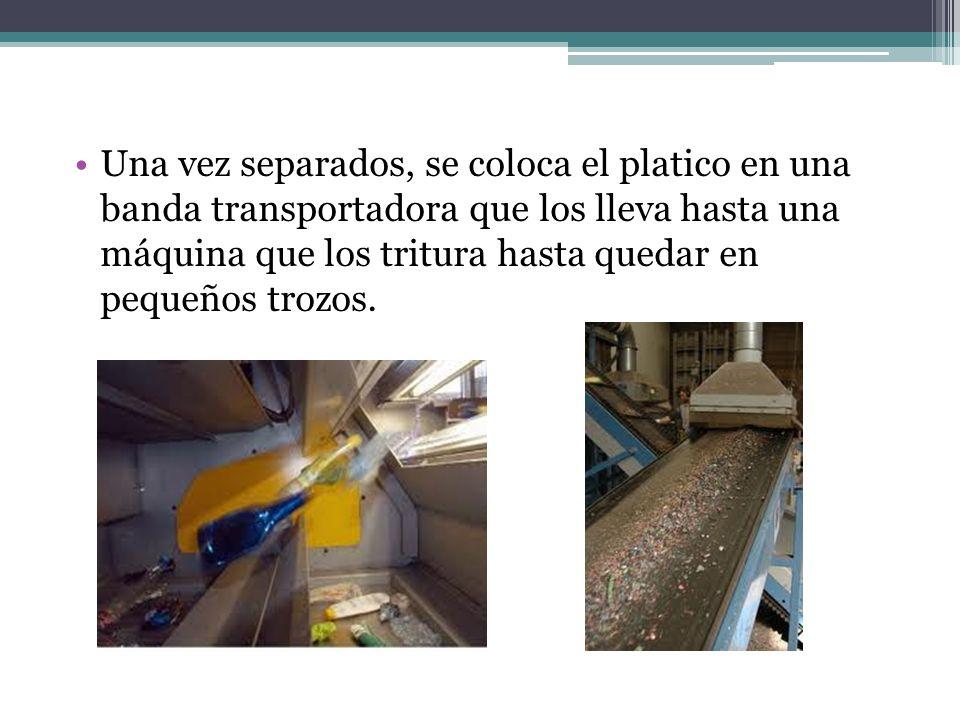 Después, los plásticos triturados pasan a la fase de mezcla, que lo prepara para próximamente ser sometido a una fundición, que depende del tipo de material (las temperaturas promedio son entre 230°C y 370°C aprox.).