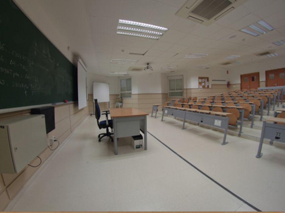 Profesorado caracterizado por su calidad, dinamismo y adaptado a las nuevas metodologías docentes Alta ratio profesor/alumno Aulas dotadas de los más
