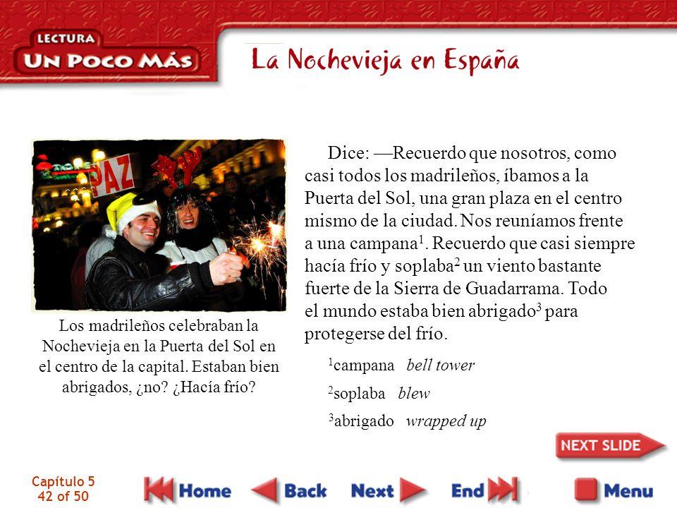 Capítulo 5 42 of 50 Los madrileños celebraban la Nochevieja en la Puerta del Sol en el centro de la capital.