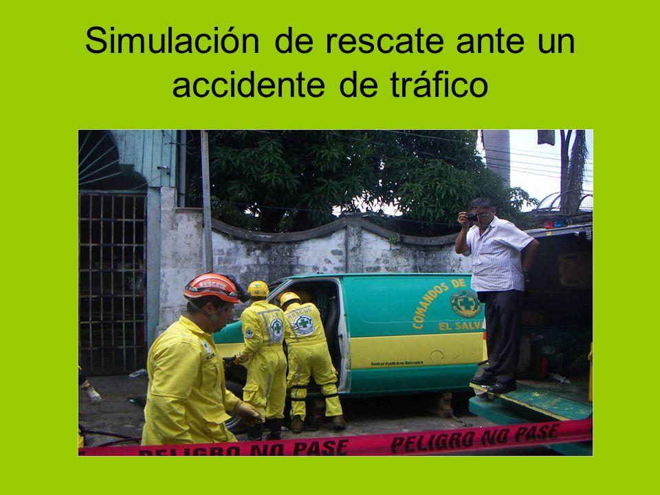 Simulación de rescate ante un accidente de tráfico