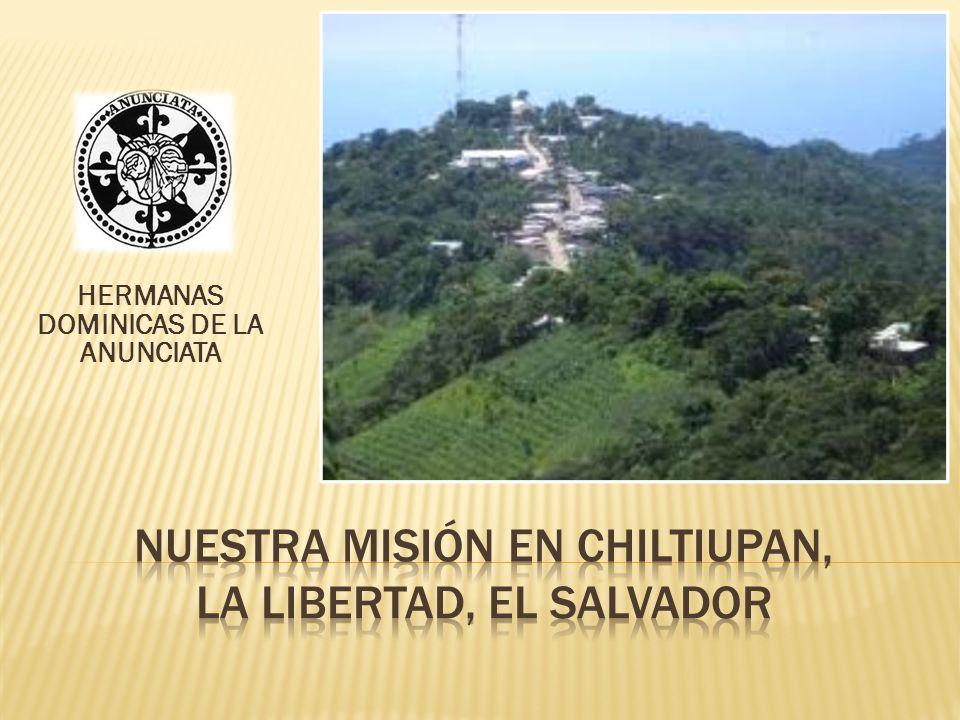 En la foto se observa a la izquierda la Parroquia Santo Domingo, en el centro la Clínica Parroquial y a la derecha está el Convento de las Hermanas.