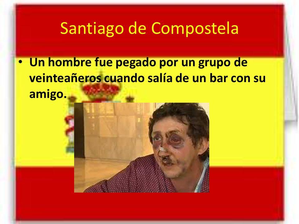 Santiago de Compostela Un hombre fue pegado por un grupo de veinteañeros cuando salía de un bar con su amigo.