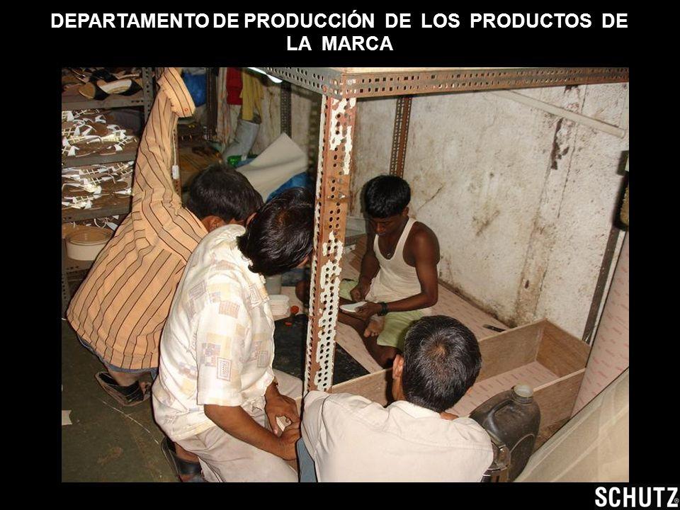 Dueño de la marca y propietario de las tiendas y fábrica.