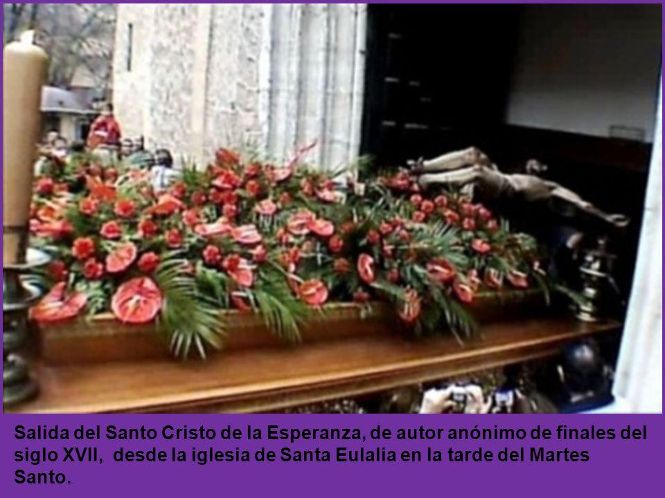 Imagen de la Virgen del Rocío en la procesión del Encuentro en la mañana del Domingo de Resurrección.