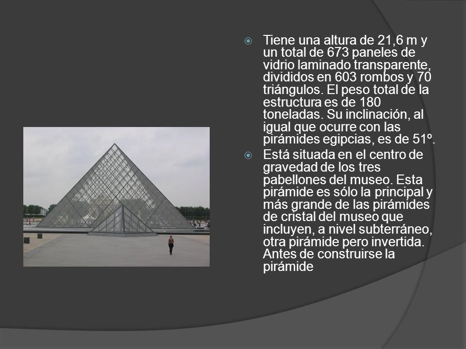 Tiene una altura de 21,6 m y un total de 673 paneles de vidrio laminado transparente, divididos en 603 rombos y 70 triángulos. El peso total de la est