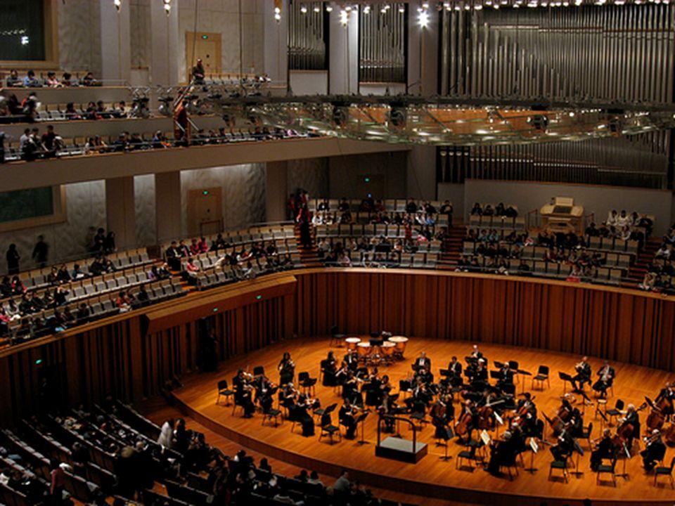 Sala de conciertos con capacidad para 2,017 asientos