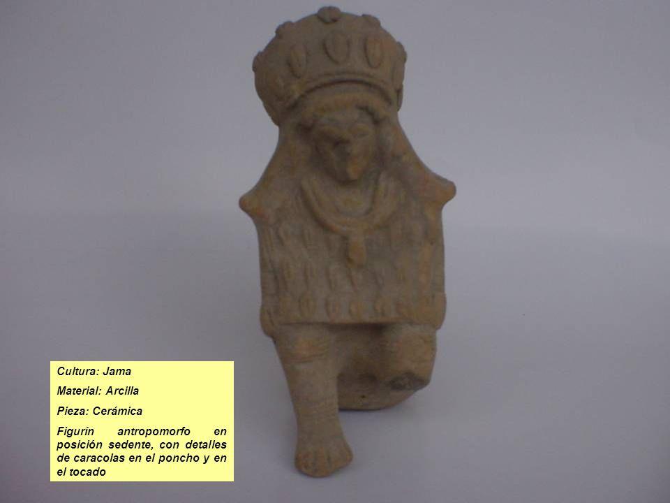 Cultura: Jama Material: Arcilla Pieza: Cerámica Figurín antropomorfo en posición sedente, con detalles de caracolas en el poncho y en el tocado