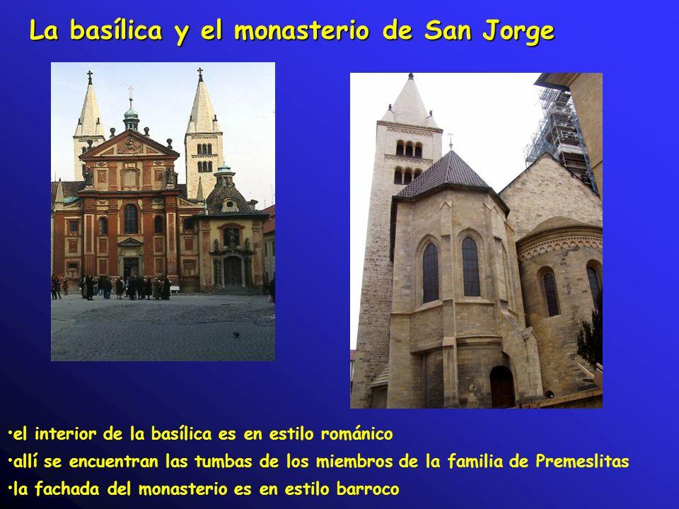 La basílica y el monasterio de San Jorge el interior de la basílica es en estilo románico allí se encuentran las tumbas de los miembros de la familia