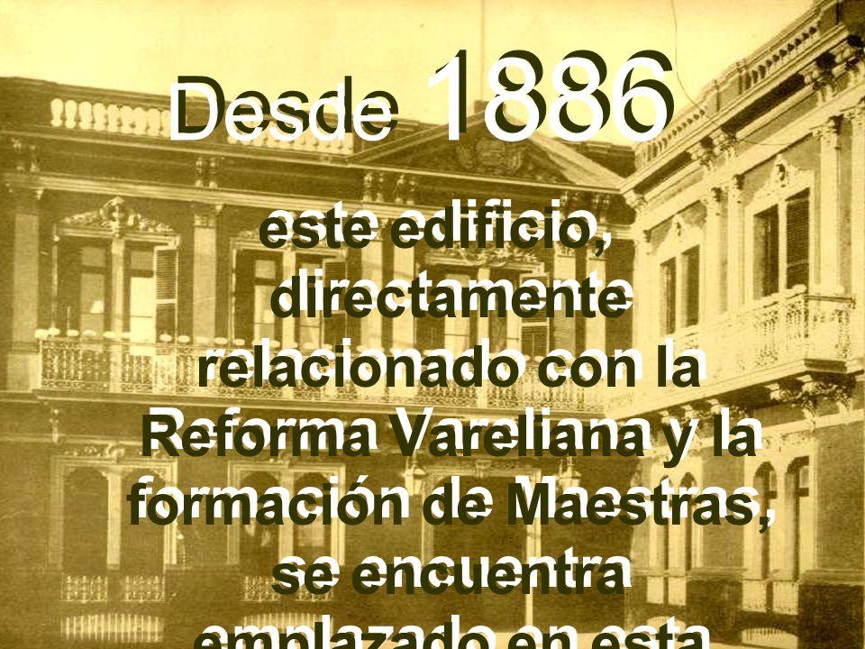 Desde 1886 este edificio, directamente relacionado con la Reforma Vareliana y la formación de Maestras, se encuentra emplazado en esta rinconada de la Plaza.