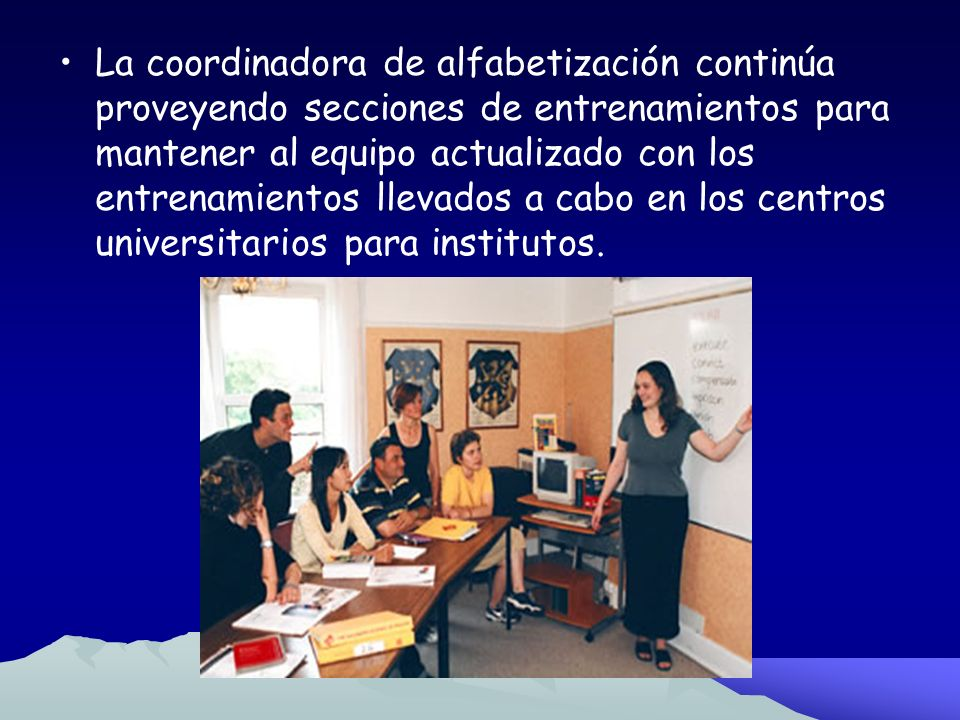 Fase 4 Desarrollo Profesional: Integrando los Grados Intermedios Los equipos primarios de alfabetización se reúnen regularmente.