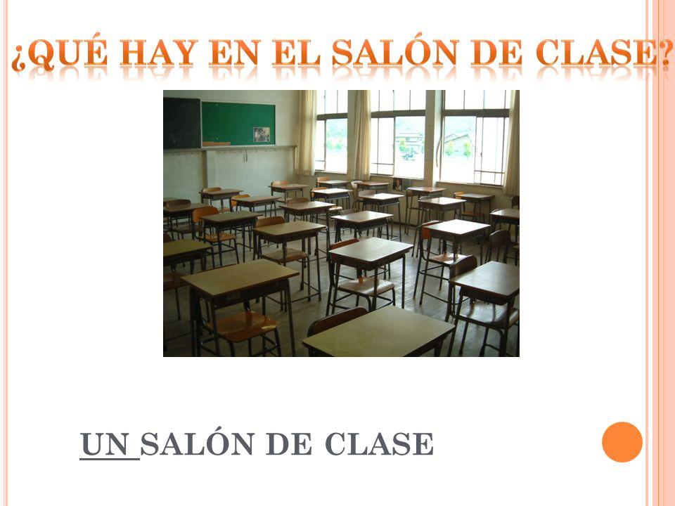 UN SALÓN DE CLASE