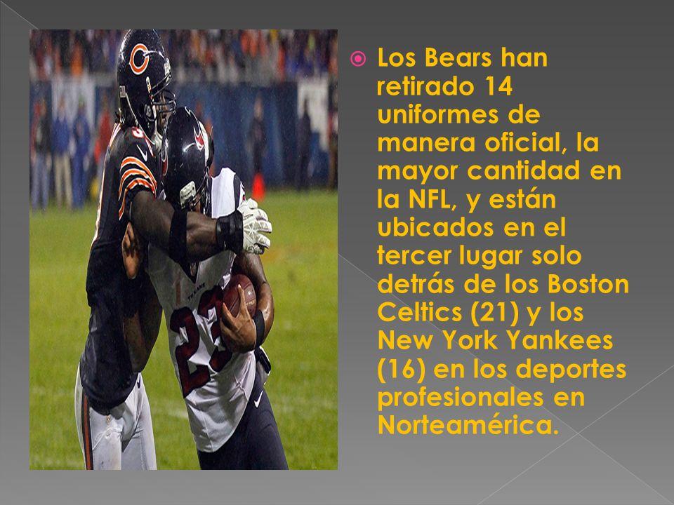 Los Bears han retirado 14 uniformes de manera oficial, la mayor cantidad en la NFL, y están ubicados en el tercer lugar solo detrás de los Boston Celtics (21) y los New York Yankees (16) en los deportes profesionales en Norteamérica.