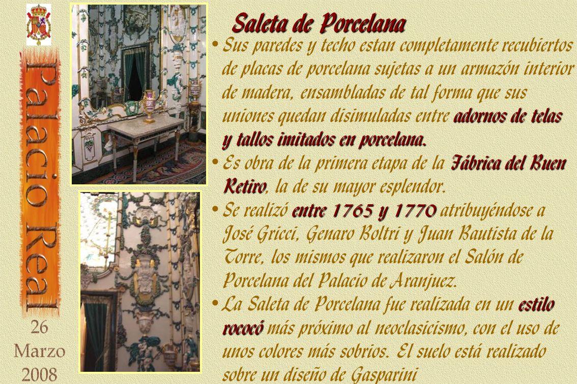 Saleta de Porcelana adornos de telas y tallos imitados en porcelana.