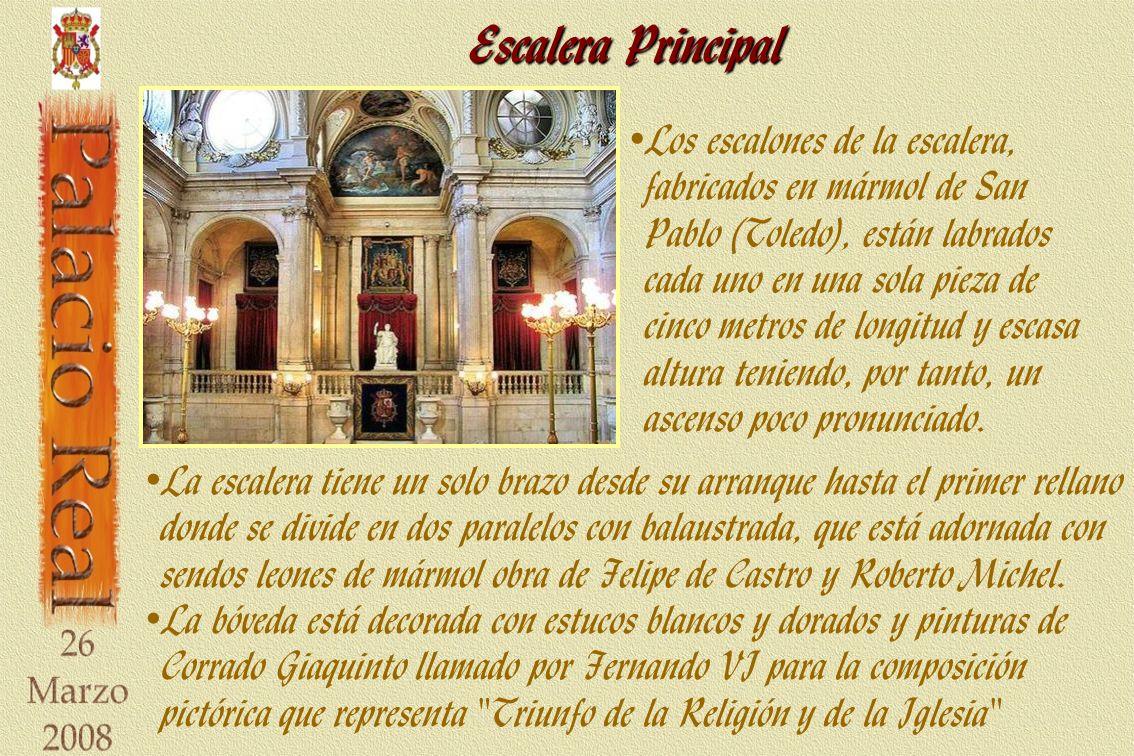 Real Capilla La distribución de la capilla es clásica en cuanto al este se sitúa el altar mayor de mármol, al norte, el altar del evangelio, al oeste el órgano, y el atrio es el vestíbulo.