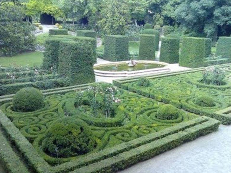 Por suerte, las pinturas y demás obras artísticas de mayor valor habían sido retiradas por orden de duque a otros edificios como el Banco de España o