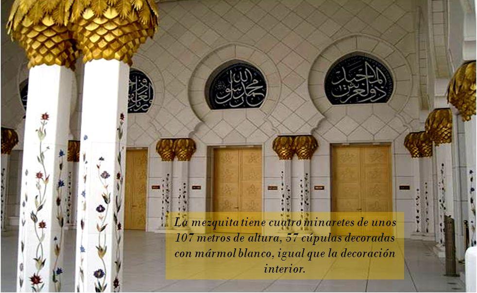 Las columnas en mármol con grabados en nácar (según dicen los que más conocen)