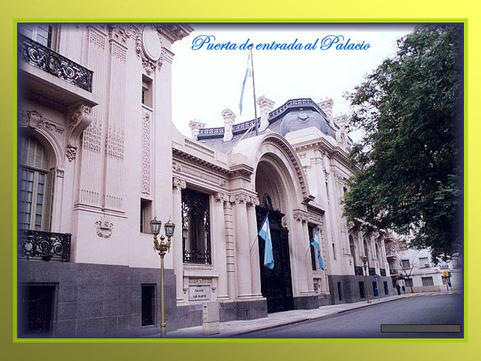 En 2do.plano, el edificio vidriado, actual sede del Ministerio de Relac.Exteriores.