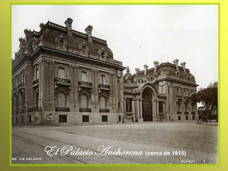 El Palacio Anchorena fue construido entre 1905 y 1909 por el arquitecto Alejandro Christophersen (1866- 1946), a pedido de Mercedes Castellanos de Anchorena.