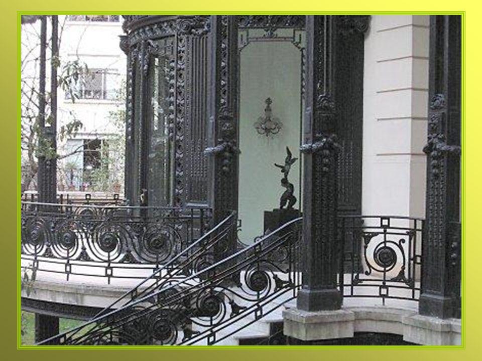 Frente del Palacio sobre Arenales y Basavilbaso