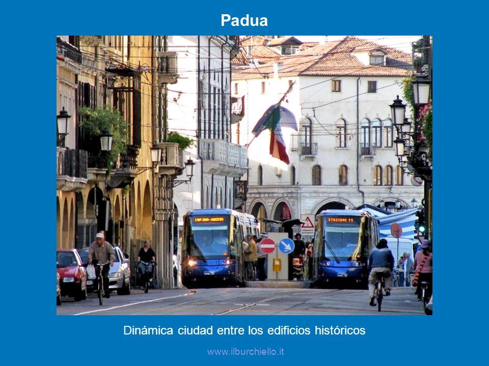 Padua Dinámica ciudad entre los edificios históricos www.ilburchiello.it