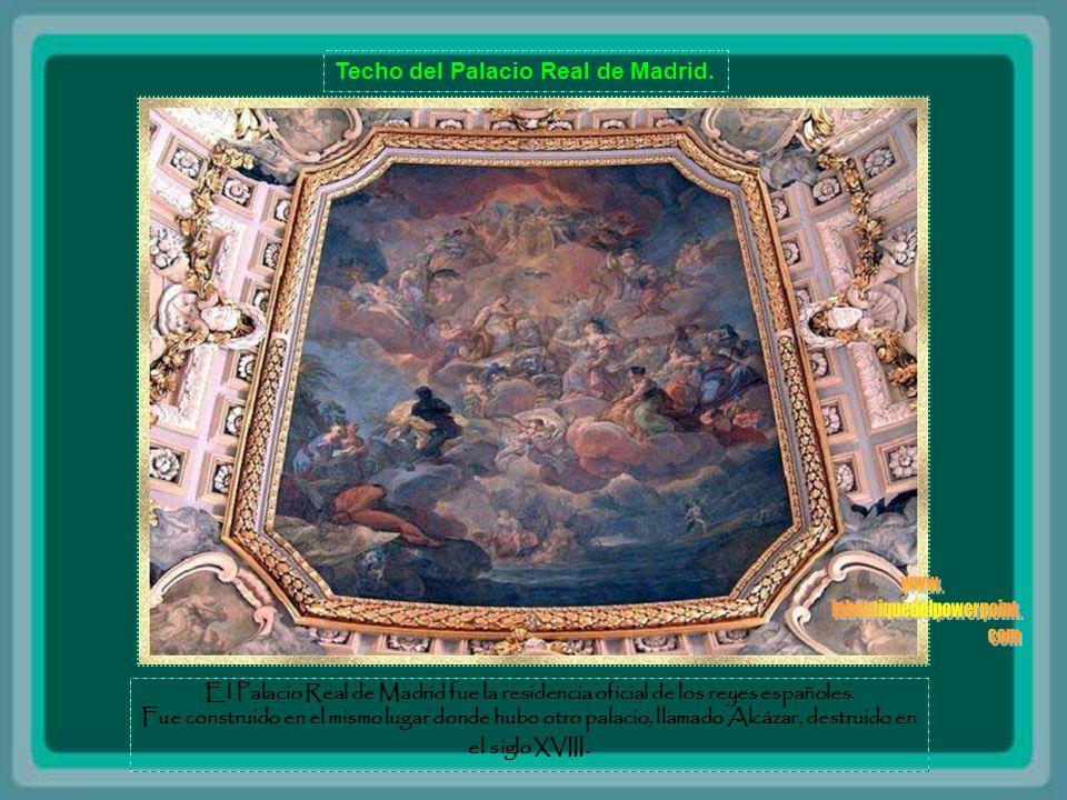 Pinturas en la bóveda del Castillo de Bojnice - Eslovaquia Las primeras palabras escritas sobre el castillo es Bojnice 1113. Es propiedad de varias fa