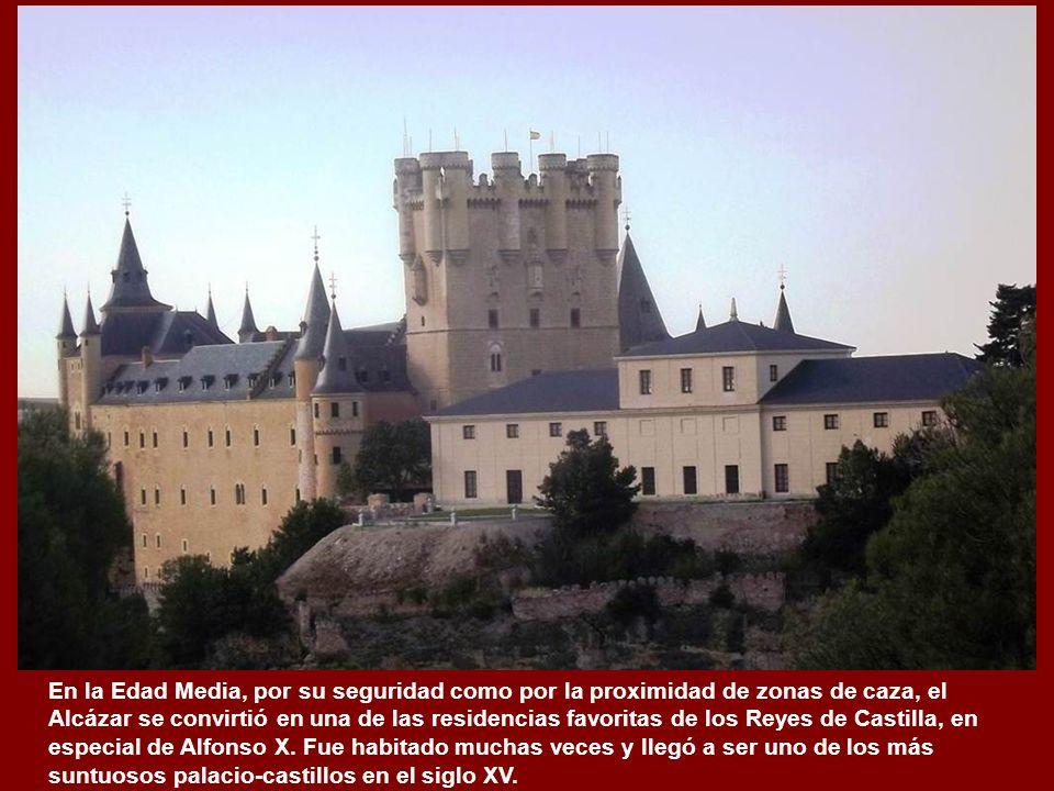 En la Edad Media, por su seguridad como por la proximidad de zonas de caza, el Alcázar se convirtió en una de las residencias favoritas de los Reyes de Castilla, en especial de Alfonso X.