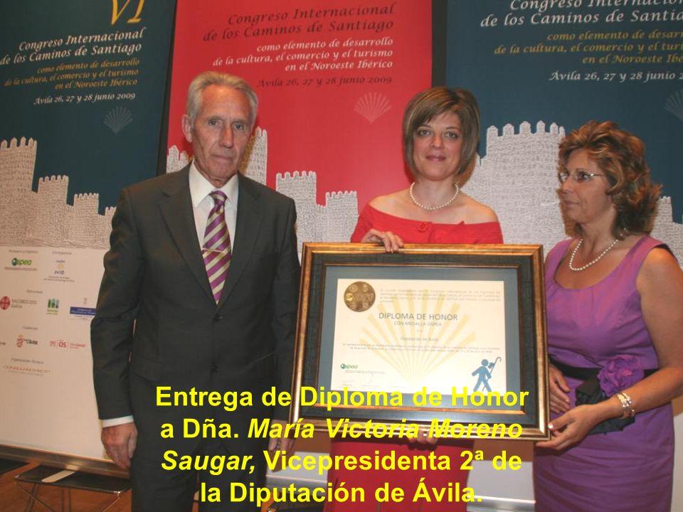Acto de entrega de Diploma de Honor a D. Fernando Martín Fernández, Alcalde del Ayuntamiento de Gotarrendura (Ávila).