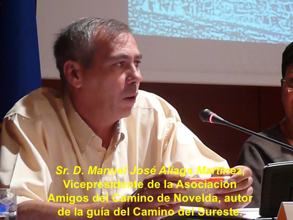 Comienza la intervención la Sra. Dña. María Ángeles Fernández Fernández, Presidenta de la Asociación de Amigos del Camino de Santiago de Valencia.