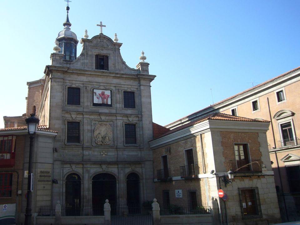 Palacio de Abrantes Edificado entre 1653 y 1655 por el arquitecto Juan Maza, por encargo de don Juan de Valencia. En 1842 pasó a manos de los duques d