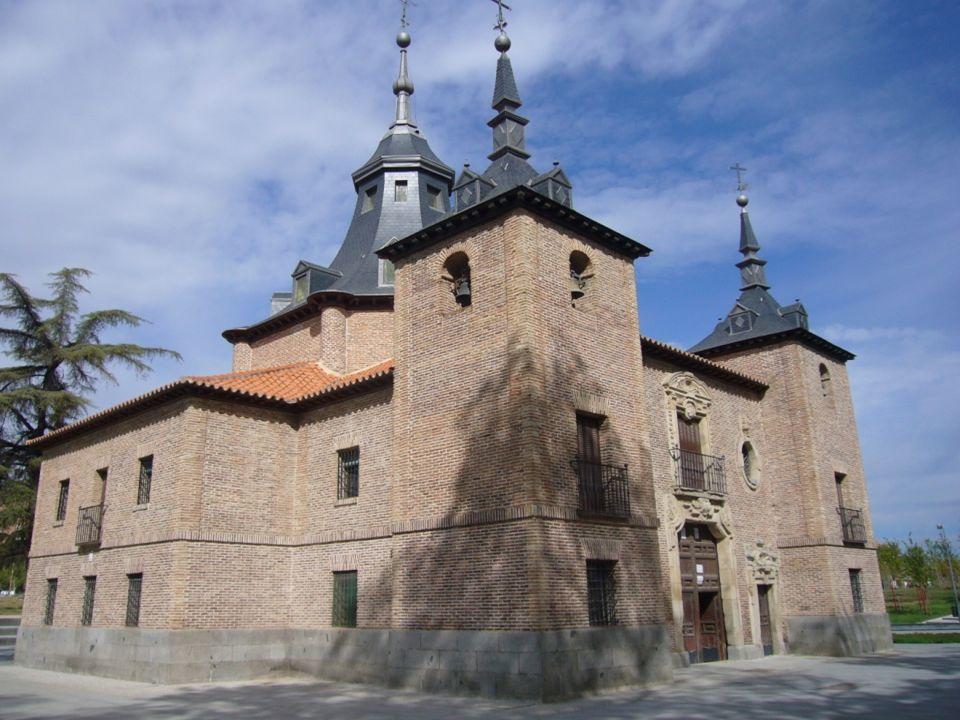 Puente de Segovia Es el puente más antiguo de la ciudad. Su construcción fue ordenada por Felipe II a su arquitecto preferido Juan de Herrera, constru