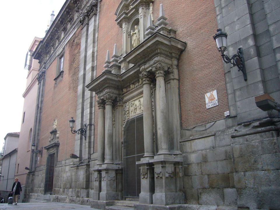 Casa de San Isidro Construida por la familia de los Lujanes en el siglo XVI. Según la tradición fue casa de los Vargas, amos de San Isidro, y en la qu