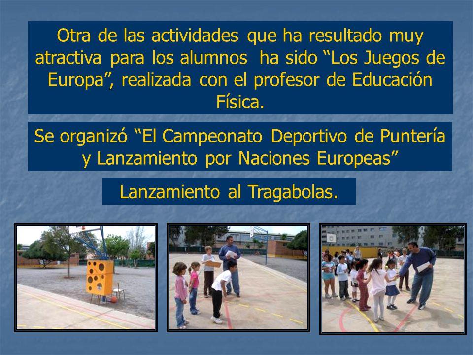 Antes de comenzar las actividades en el patio de recreo, los alumnos saludaron en distintos idiomas hablados en los países de Europa. Gracias. / Adiós