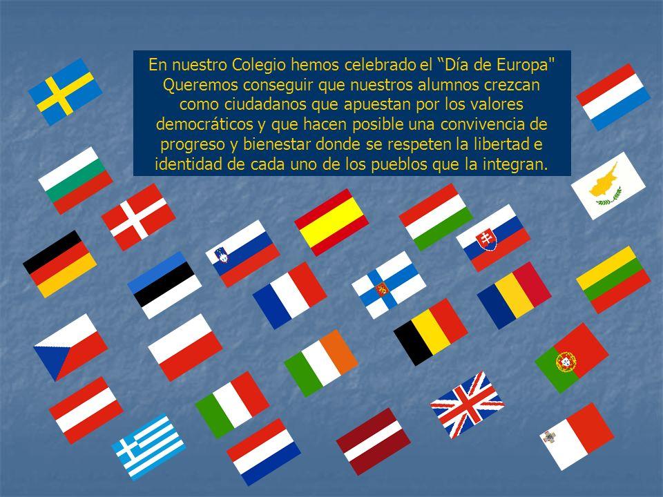 Antes de comenzar las actividades en el patio de recreo, los alumnos saludaron en distintos idiomas hablados en los países de Europa.
