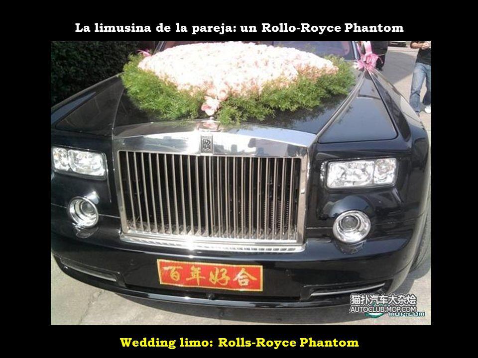 Wedding limo: Rolls-Royce Phantom La limusina de la pareja: un Rollo-Royce Phantom