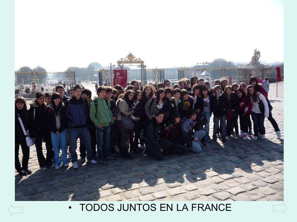 TODOS JUNTOS EN LA FRANCE