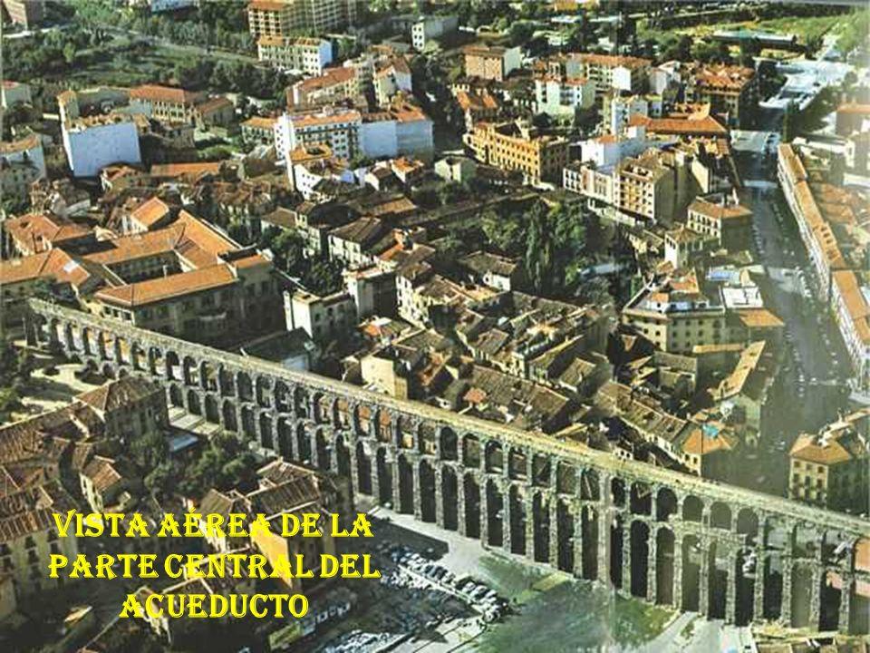 Obra maestra de la ingenieria y arquitectura romanas EL ACUEDUCTO