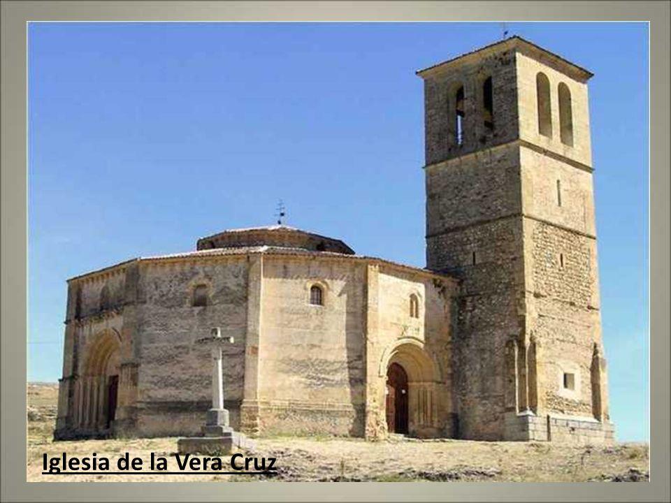 EL ROMáNICO EN SEGOVIA Segovia capital cuenta con una veintena de iglesias románicas. Juntamente con su provincia,Segovia tiene una de las concentraci