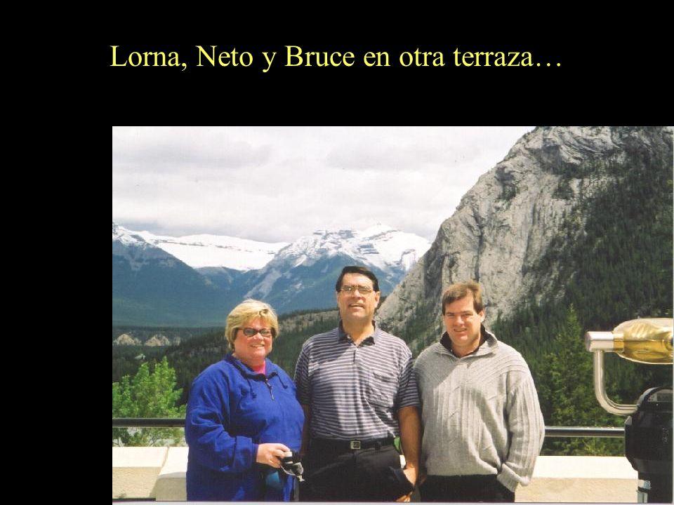 Miguel y Neto en Bow Falls (Bow River) en Banff.