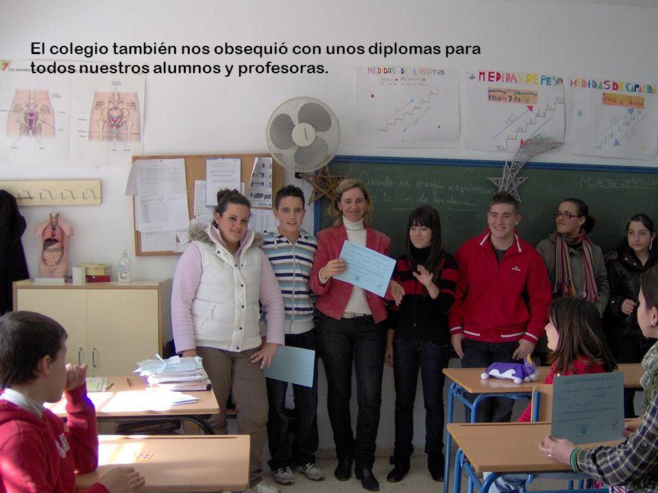 El colegio también nos obsequió con unos diplomas para todos nuestros alumnos y profesoras.